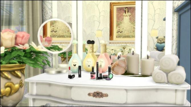 Perfume Bottles, Lipsticks, Make Up Set, Vanity Mirrors at Martine's Simblr image 5710 Sims 4 Updates