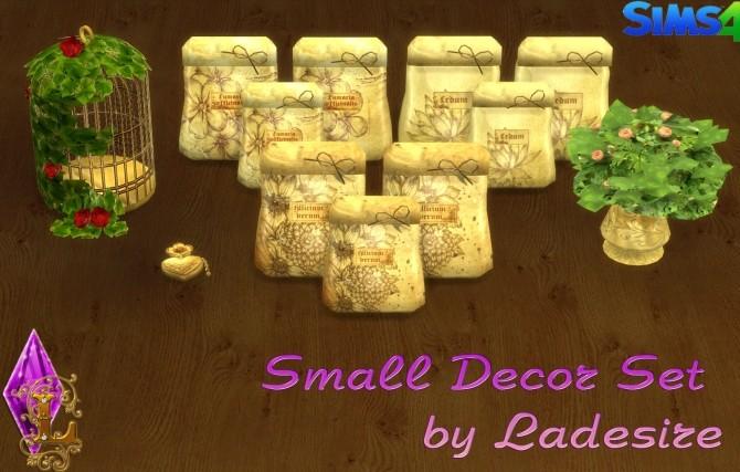 Sims 4 Small Decor Set at Ladesire