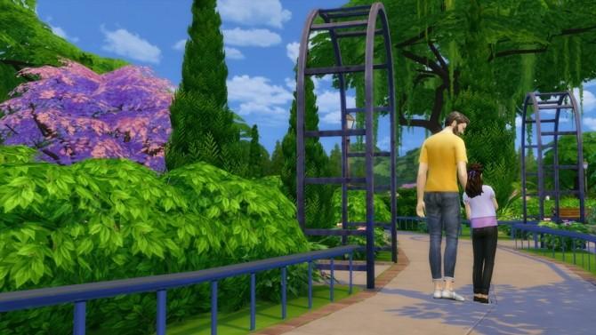 Family poses at Rusty Nail image 13120 670x377 Sims 4 Updates