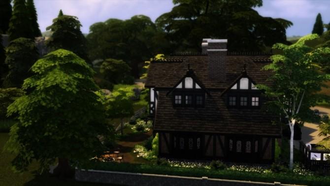 Tudor Mansion at dw62801 image 10318 670x377 Sims 4 Updates