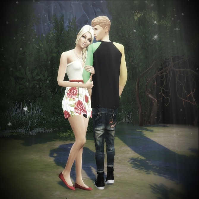 Sims 4 Couple pose set at Randomchick32