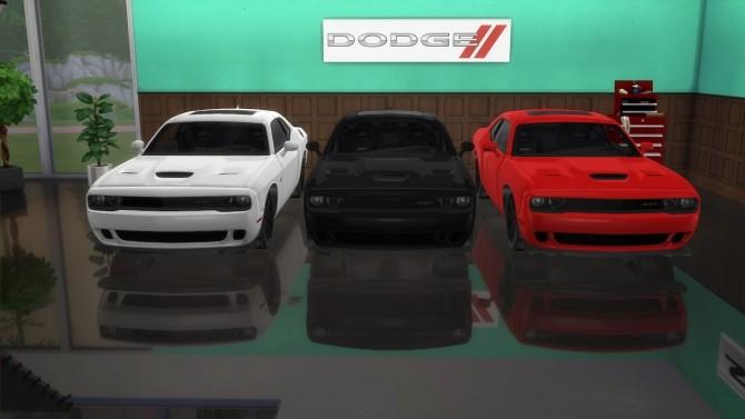 Dodge Challenger SRT Hellcat at LorySims image 2484 670x377 Sims 4 Updates