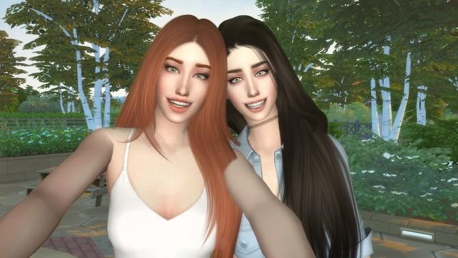 Selfie posepack at David Veiga image 1304 670x377 Sims 4 Updates