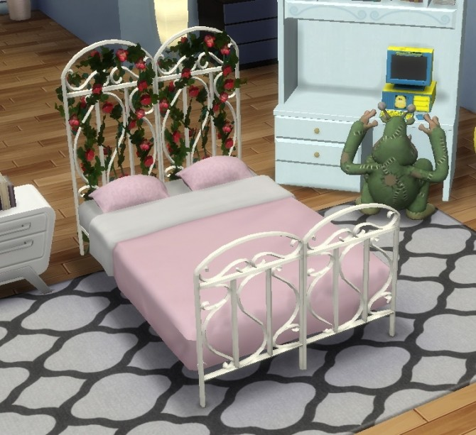 Synthetic Iron Trellis Bed by BigUglyHag at SimsWorkshop image 628 670x613 Sims 4 Updates