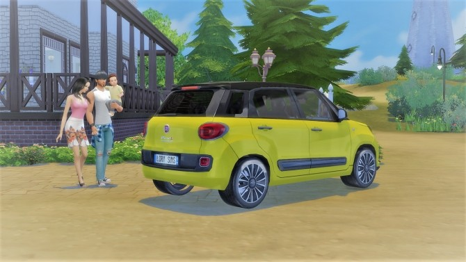 Fiat 500L at LorySims image 20310 670x377 Sims 4 Updates