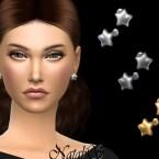 Flat star stud earrings by NataliS