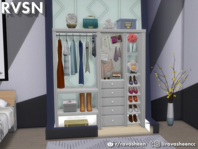 Hang Around Closet Set by RAVASHEEN