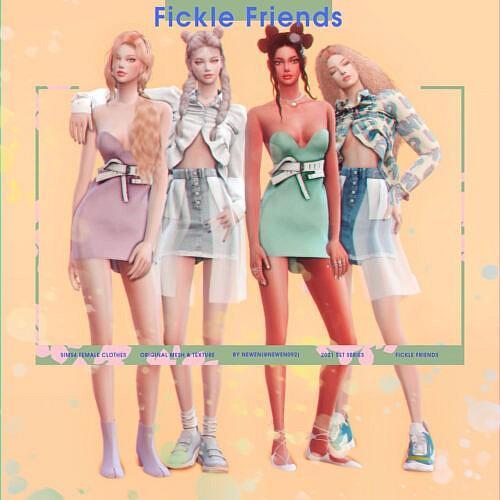 Fickle Friends Clothes Set