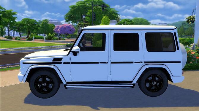 Sims 4 2012 Mercedes Benz G 550 at Modern Crafter CC